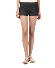 chic-and-uber-cool-leather-shorts