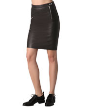 leather-skirt-with-rear-zipper-closure-and-surface-definition
